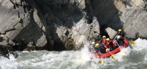 Rafting in Tamur